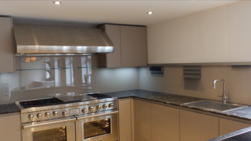 splasback cream Allder Group splashback fitting 0118 989 2613